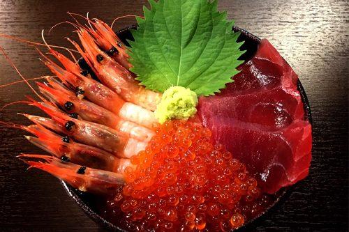 赤の三色丼(マグロ)